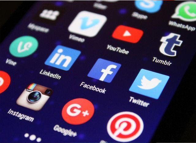 Wat zijn social media? (online)