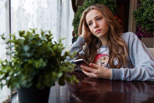 Online thema-ouderavond: Opvoeden in crisistijd 'Je zou nu een puber zijn...'