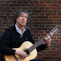 Jan Roobeek zingt chansons van Brassens en Brel tijdens de Kunst10 Daagse